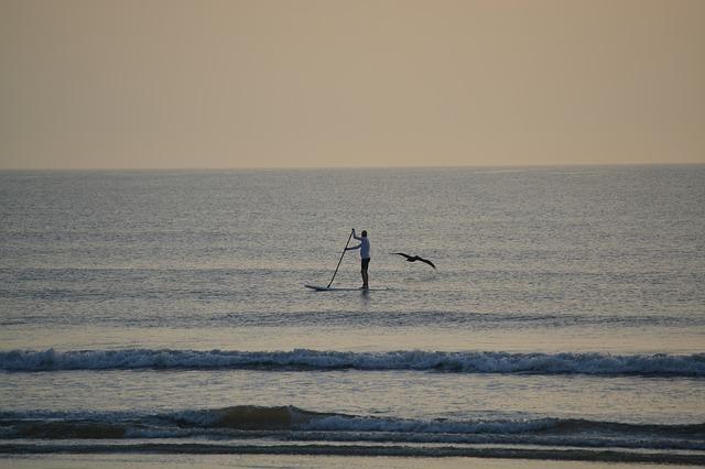 beach-998697_640